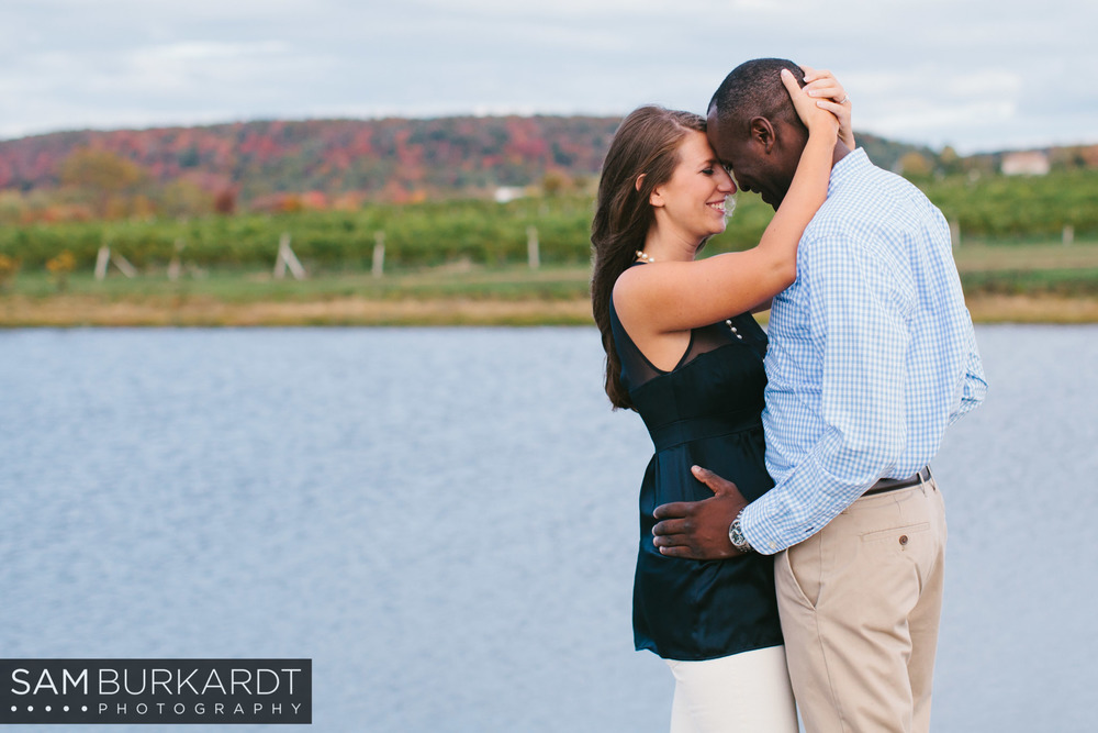 samburkardt-fall-engagement-connecticut-vineyard-nature-wine_0004.jpg