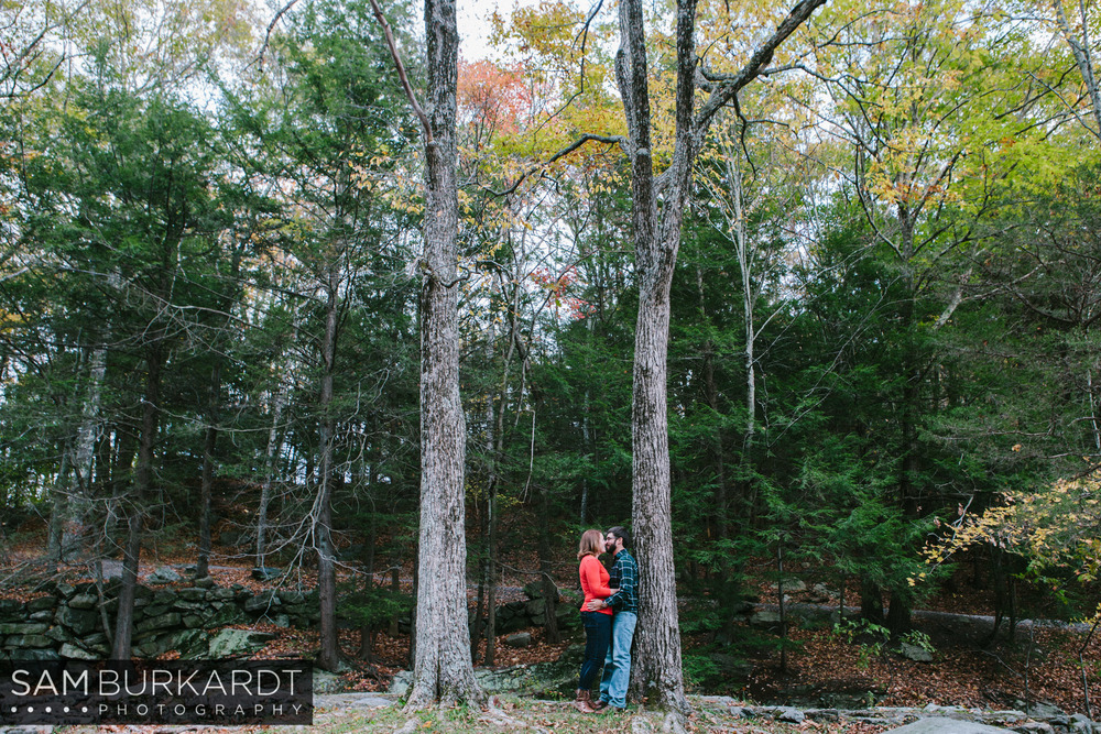 samburkardt-fall-engagement-connecticut-foliage-southford-falls-state-park_0012.jpg