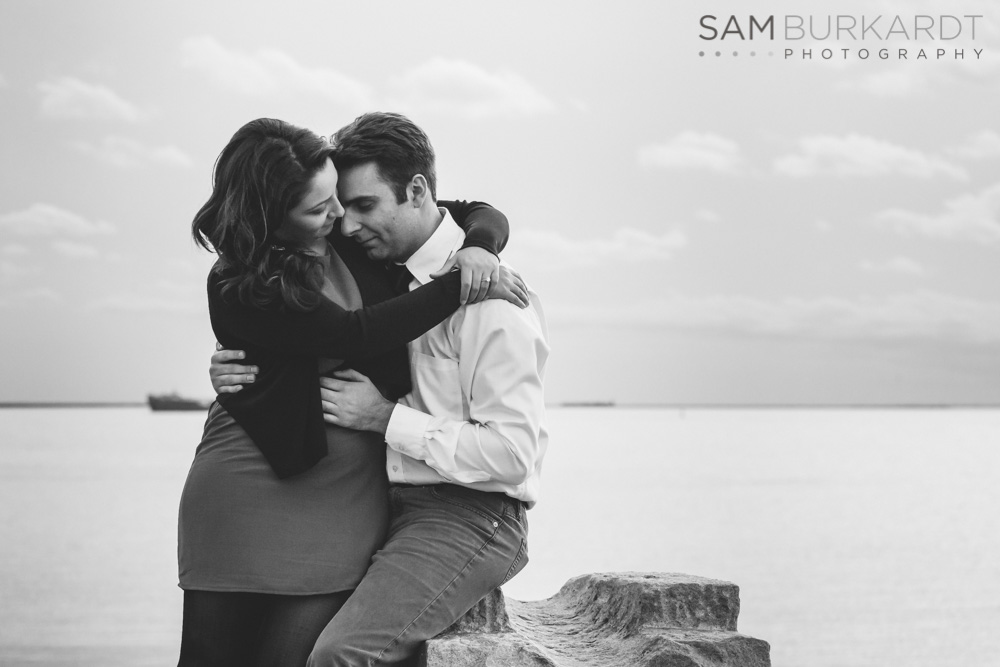 sburkardt_beach_lighthouse_ct_engagement_016.jpg