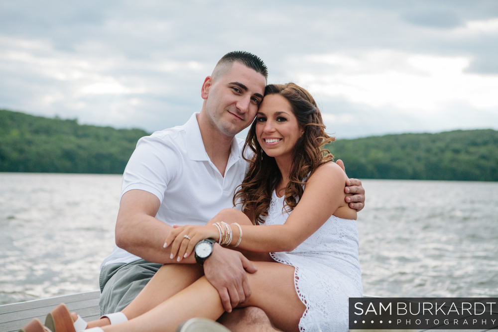sburkardt_engagement_wedding_candlewood_lake_photography_009.jpg
