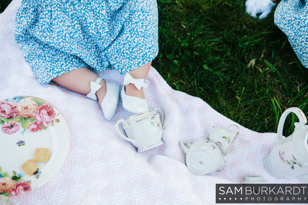 sburkardt_family_portraits_photoshoot_ridgefield_connecticut_summer_tea_party_008.jpg