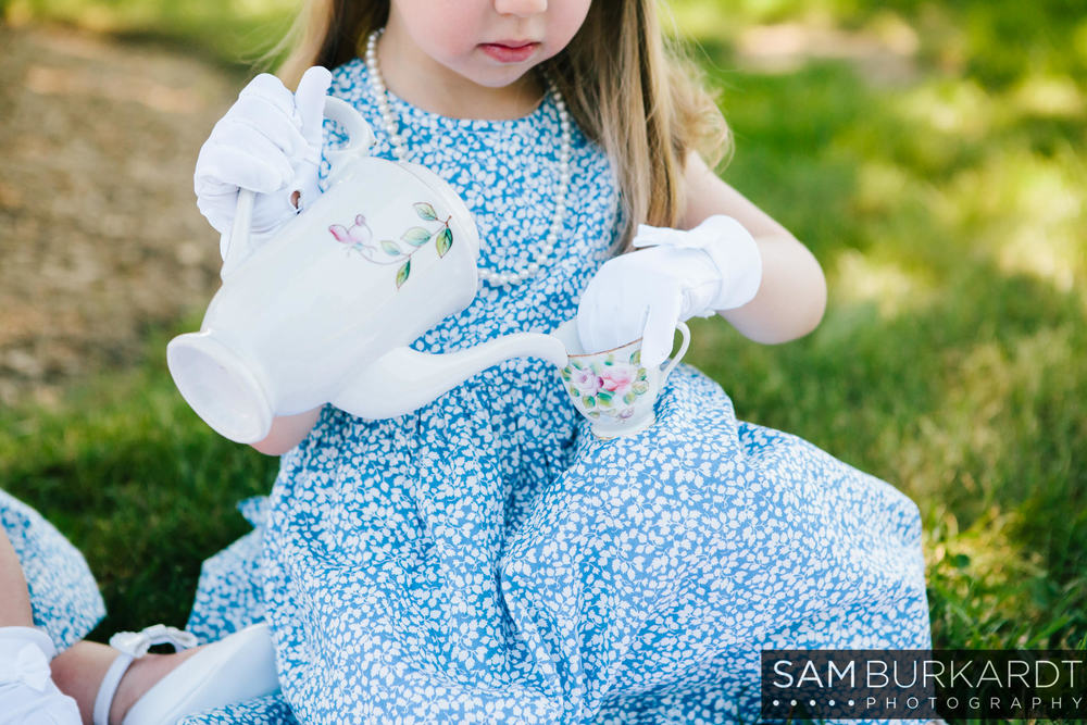 sburkardt_family_portraits_photoshoot_ridgefield_connecticut_summer_tea_party_013.jpg