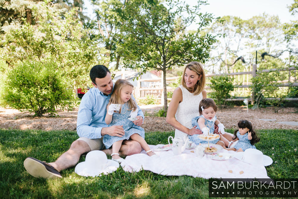 sburkardt_family_portraits_photoshoot_ridgefield_connecticut_summer_tea_party_014.jpg