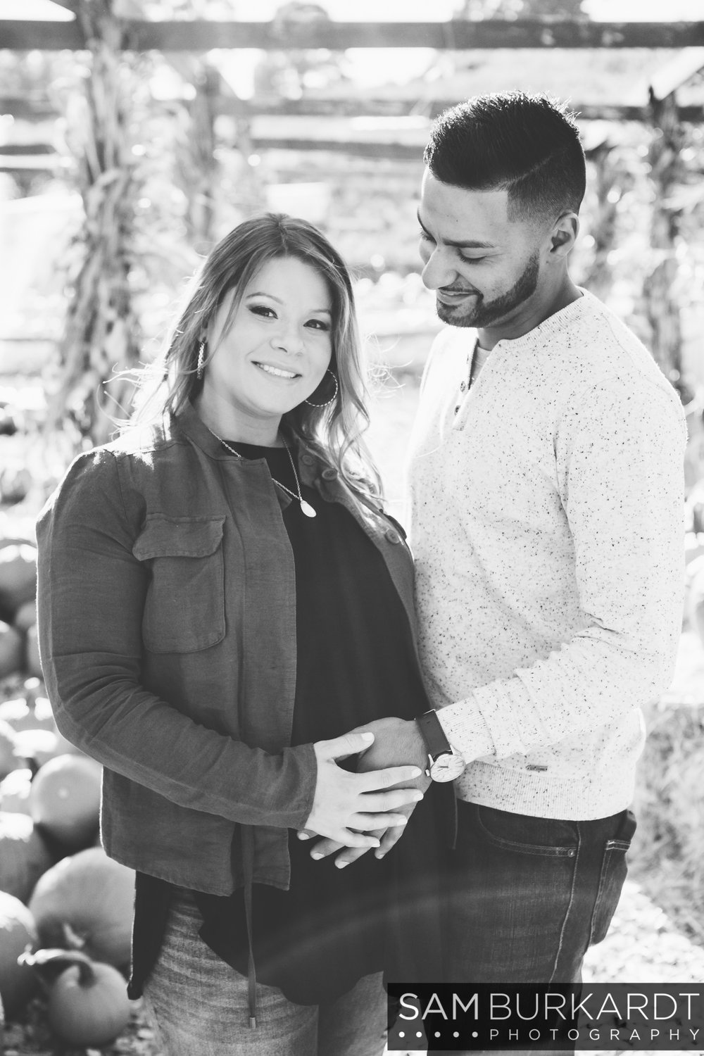 sburkardt_maternity_connecticut_fall_orchard_photography_005.jpg