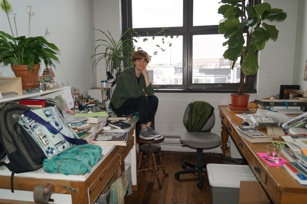 © 2017 Louise Levergneux, Guylaine sitting in her studio