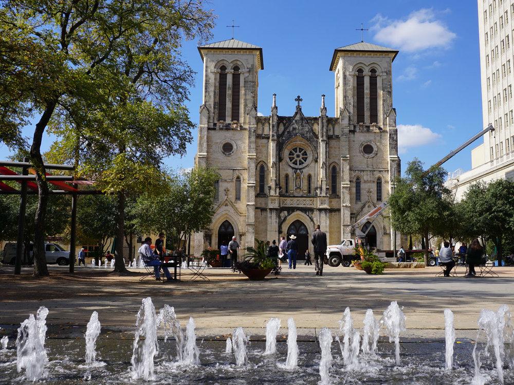 © 2017 Louise Levergneux,San Fernando Cathedral, San Antonio, Texas