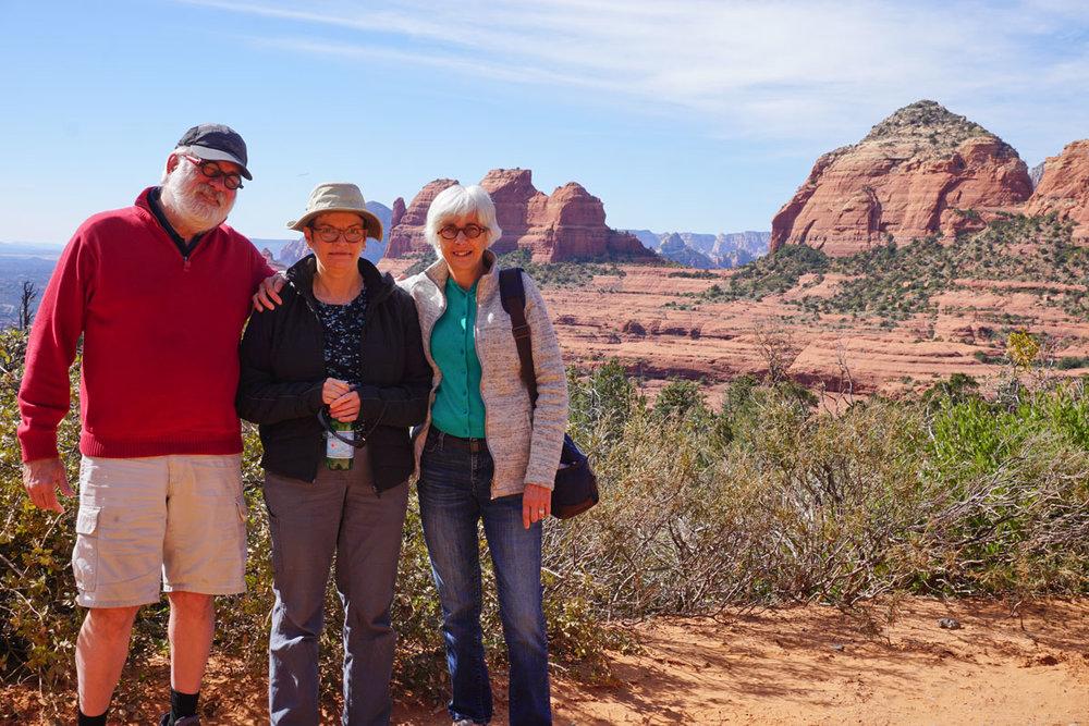 © 2018 Brian Decker. Safari Jeep tour on the Mogollon Rim with tour guide and singer Brian Decker, Sedona, Arizona. /  Un tour en Safari Jeep sur le Mogollon Rim avec notre guide et chanteur Brian Decker, Sedona, Arizona.