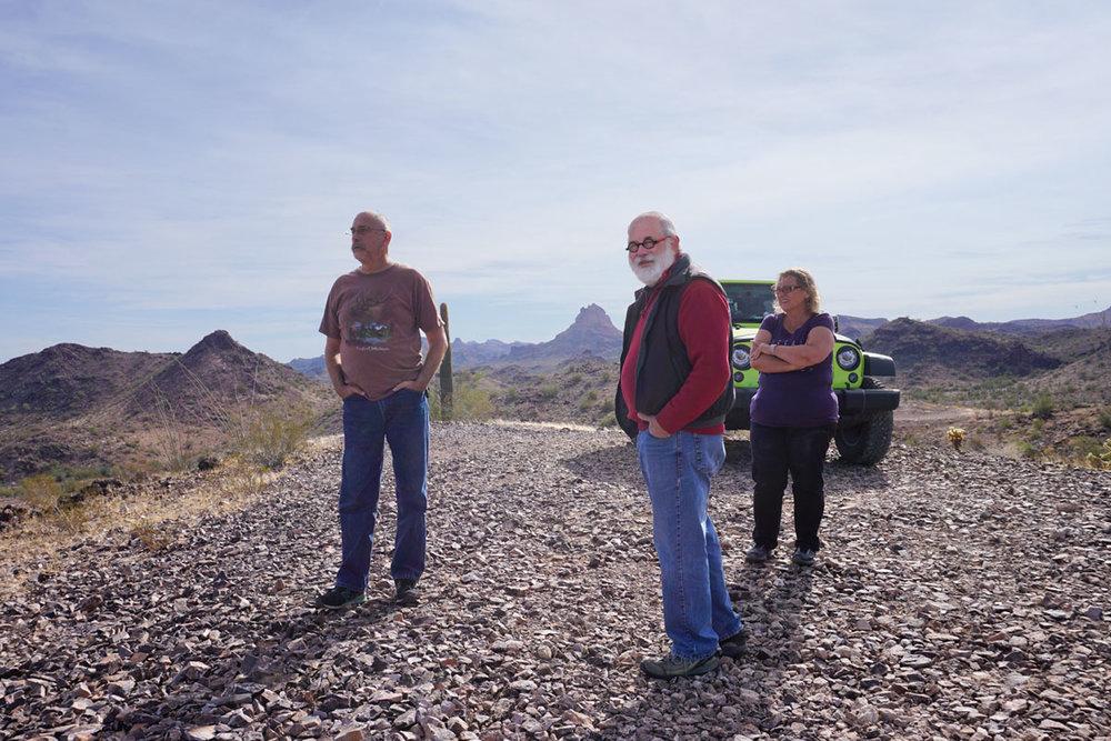 © 2018 Louise Levergneux. Jeep tour in the Sonoran Desert, Quartzite, Arizona. /  Un tour en jeep dans le Deesert de Sonora, Quartzite, Arizona.