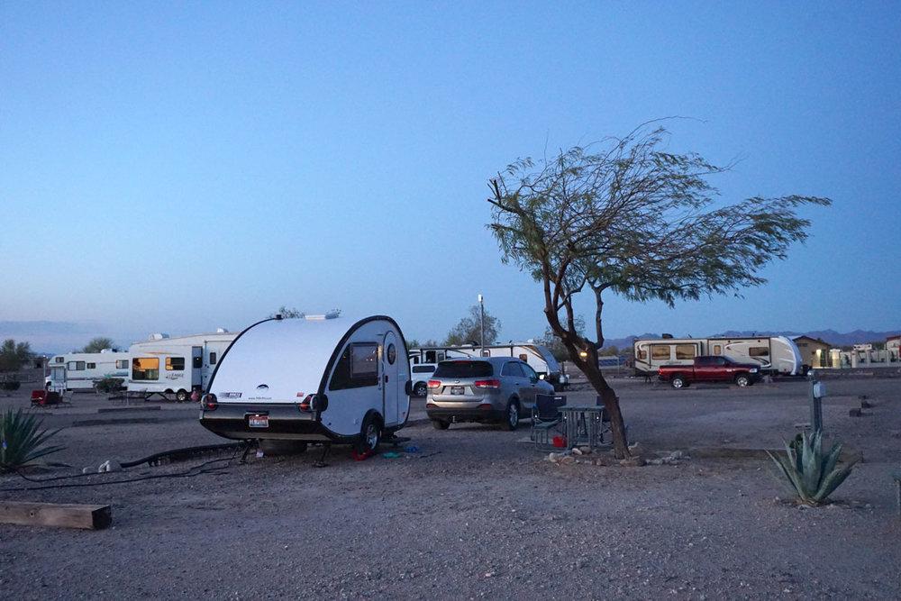 © 2018 Louise Levergneux. Putt-Putt at the KOA in Gila Bend, Arizona. /  Putt-Putt au camping KOA à Bend, Arizona.