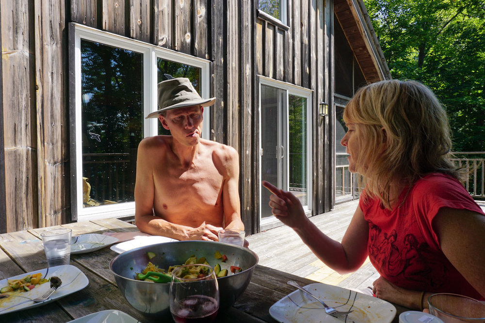 © 2018 Louise Levergneux. A delicious lunch with Marc and Shari at their cottage on Lac Sucker in Val-des-Monts. /  Un lunch délicieux avec Marc et Shari, à leur chalet au lac Sucker, à Val-des-Monts.