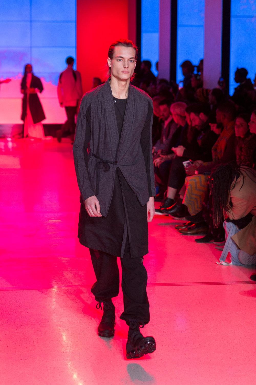 LOOK 8   ARC Kimono Shirt  / Grey Melange   ARC Long Vest  / Black   ARC Chrysalis Pant  / Black   Nike Air VaporMax Utility   .