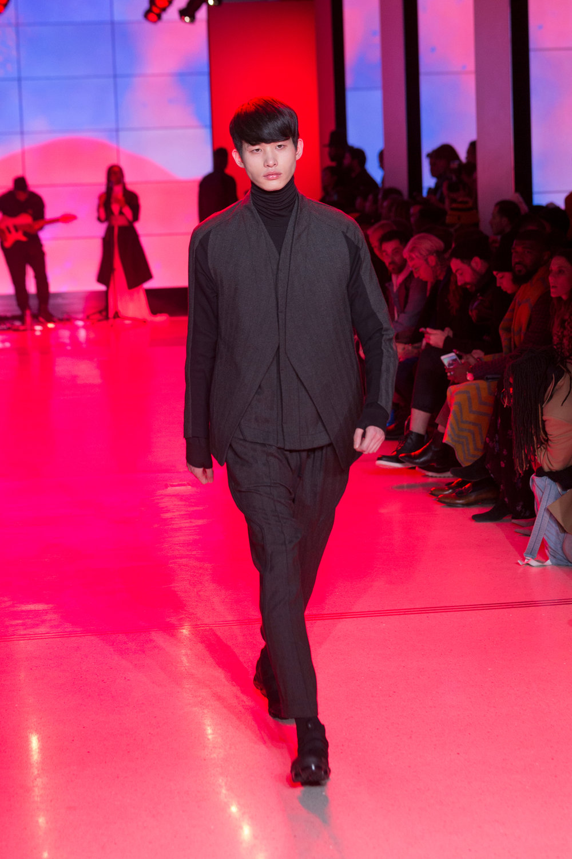 LOOK 9   ARC Jacket 5  / Black Melange   ARC Desert Shirt  / Black Melange   ARC Turtleneck  / Black Terry   ARC Ankara Pant  / Black Melange   Nike Air VaporMax Utility