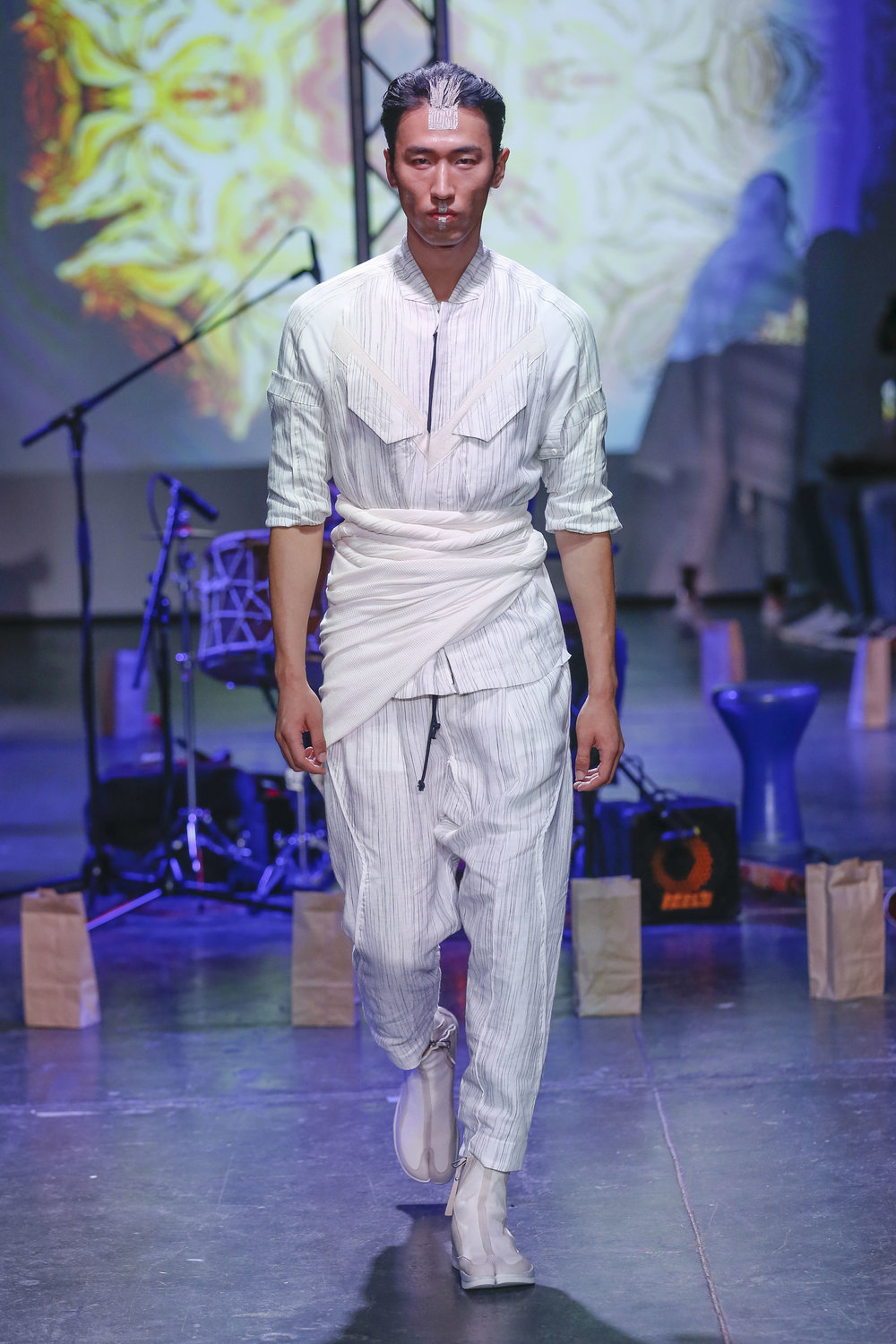 LOOK 26   ARC Tactical Shirt  / White Broken Stripe   ARC Ankara Pant  / White Broken Stripe   ARC Apollo Tabi Boot   .