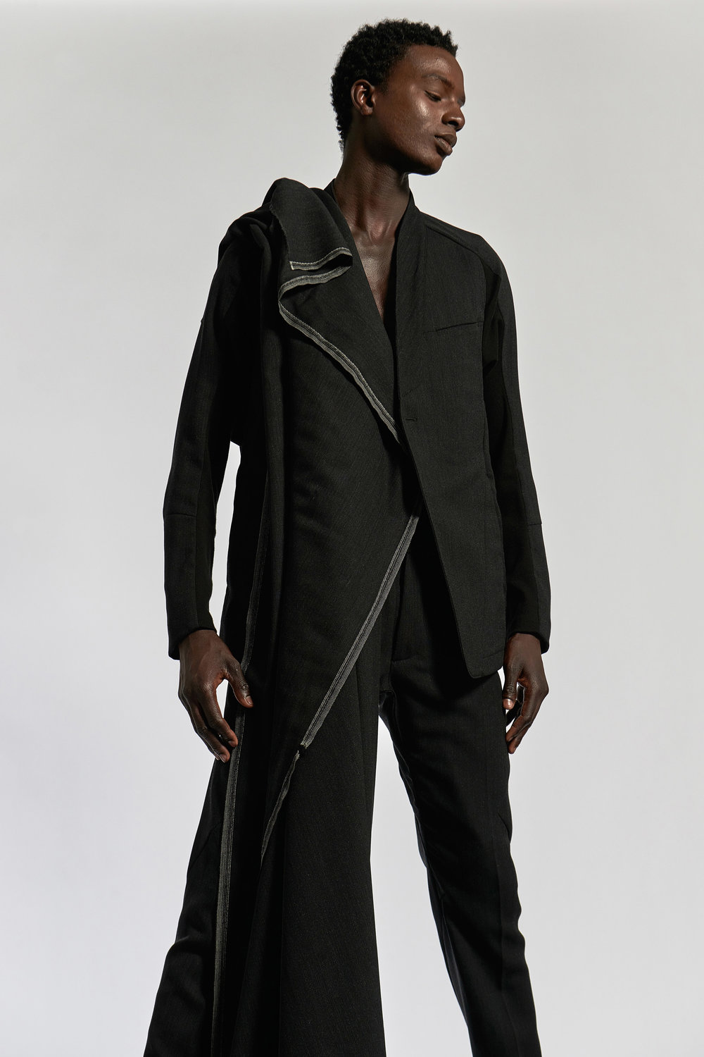 Look 5   ARC Jacket 6  / Charcoal    ARC Trouser  / Charcoal
