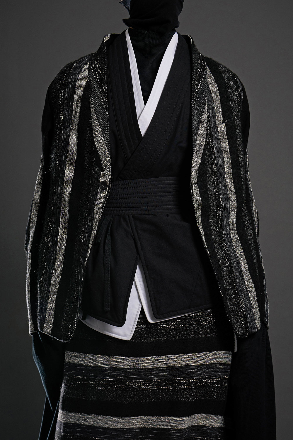 Look 4   ARC Jacket 6  / Black and White Melange   ARC Kimono Shirt  / Black   ARC Kimono Shirt  / White   ARC Obi Belt  / Black