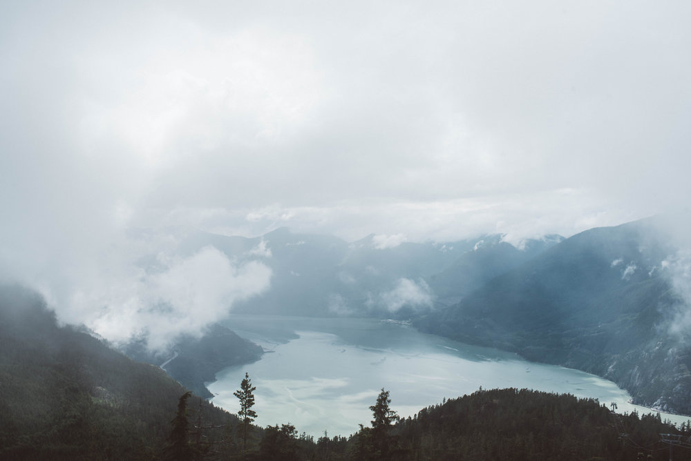andrea and andrew sea to sky gondola elopement squamish pacific north west westcoast wedding vancouver photographer