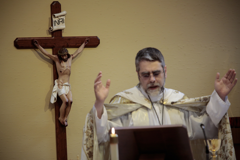 Bishop Francis Kalabat leads mass on Thursday, Sept. 4, 2014 at the Eastern Catholic Re-Evangelization Center in Bloomfield Township, MI. Tim Galloway for the New York Times