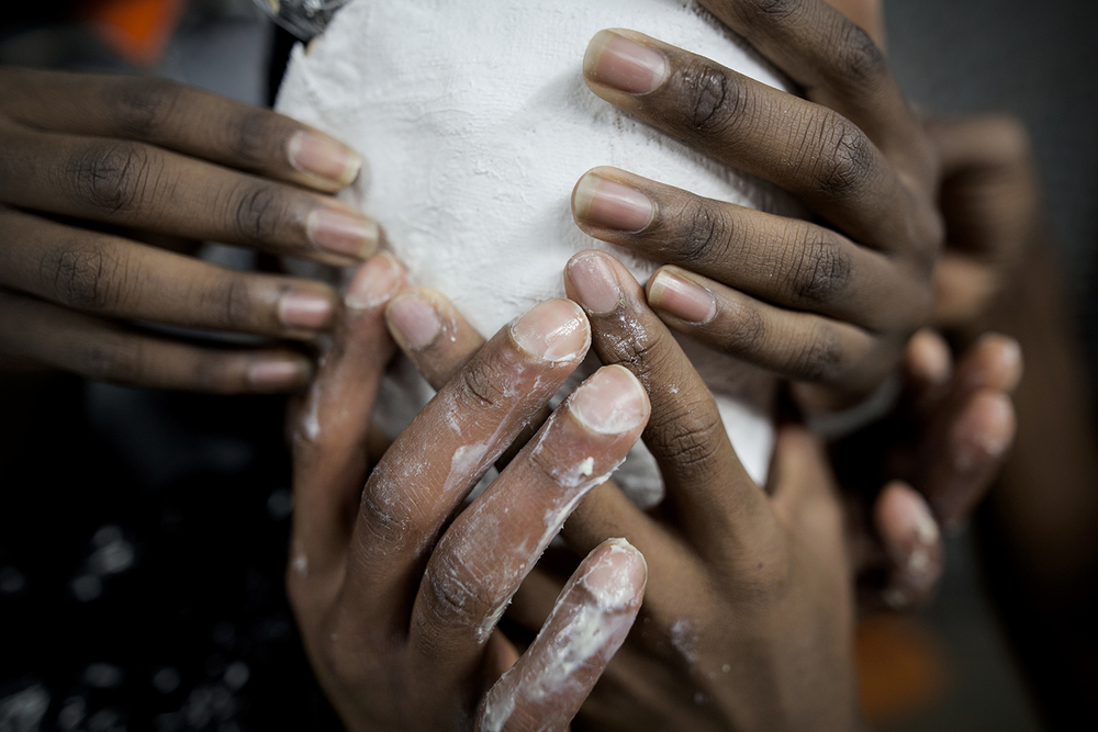 Clarence Houston from Detroit is assisted with removing the mold from his face during the face casting demonstration on Saturday, Jan. 30, 2016 at the Red Bull House of Art in Detroit. Tim Galloway/Special to DFP