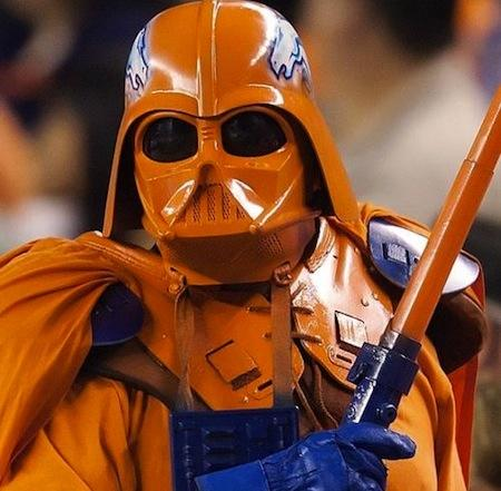 2012-12-06_kohn_superbowl-superfans_darth-bronco.jpg