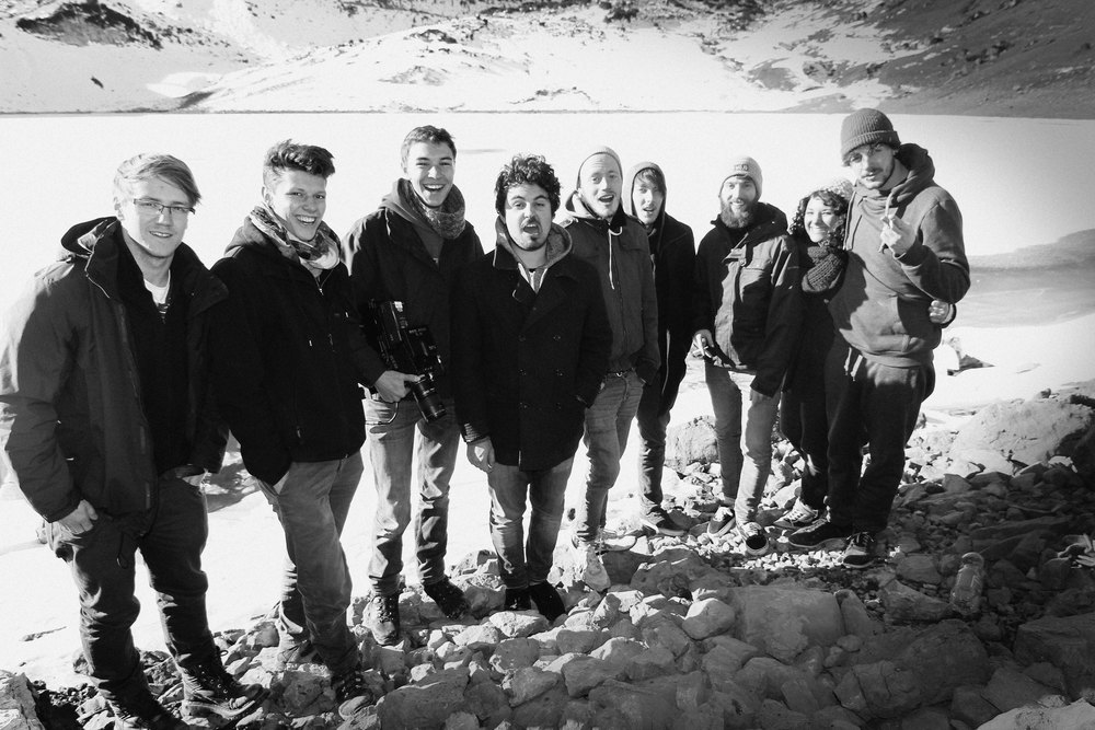 Packing up work: from left to right Benedikt Groß, Josua Stäbler, Hagen Wagner, Philip Koch, Marius Bornmann, Nico Prade, Lucas Mayer, Inga, Mathias Bloech