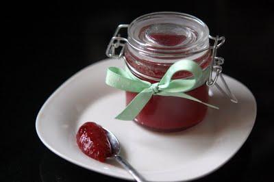 DSC_9605_Strawberry+Rhubarb+Jam.jpg