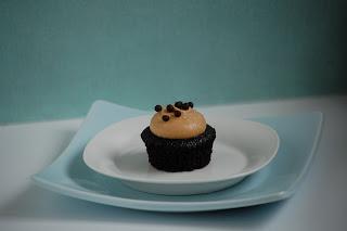 DSC_0233_Chocolate+PB+Cupcake.jpg