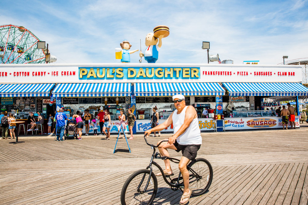 FEATURE_06282017_Summerguide_Beach-Eats_ConeyIsland_Final_3.jpg