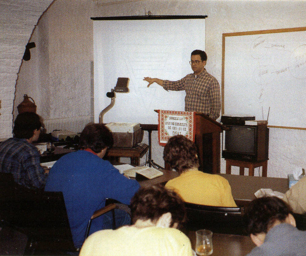 Jim Conner - TCM Professor - teaching leadership training class on church growth - 1993.jpg