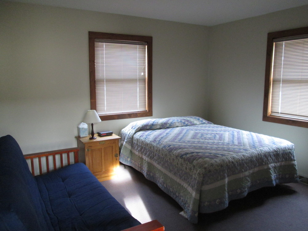 802 Sno Use Main Level Bedroom 2.JPG