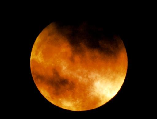 maansverduistering april Petra Stam