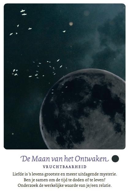 De nieuwe Maan van het Ontwaken uit 'De maan- 66 mystieke kaarten voor bewustwording' (een uitgave van A3 boeken)