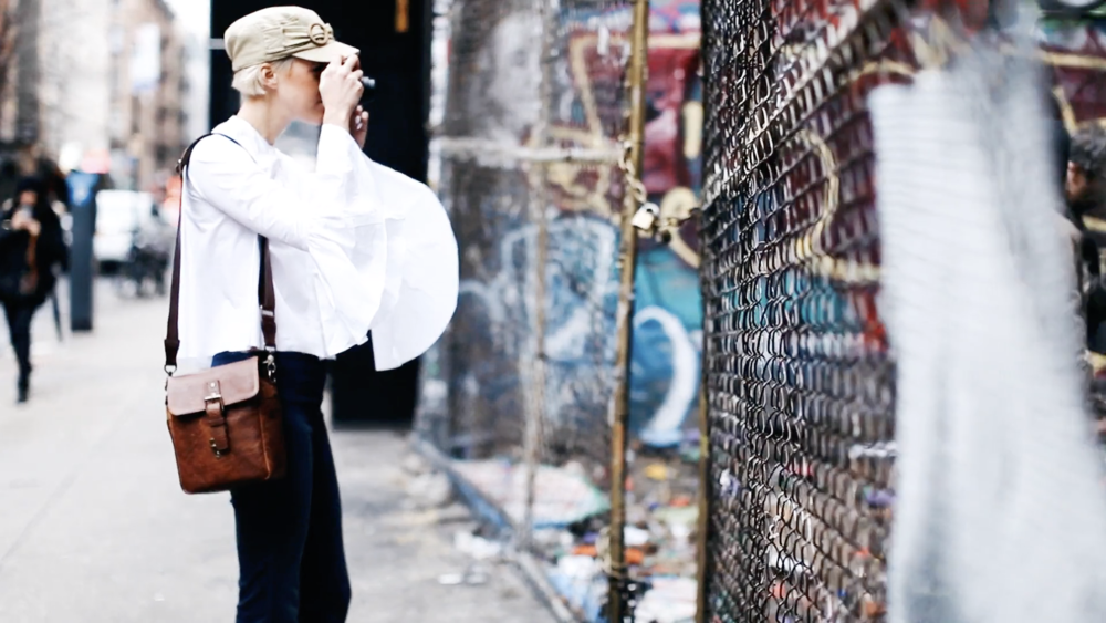 The Bond Street  - small messenger style, perfect for mirrorless