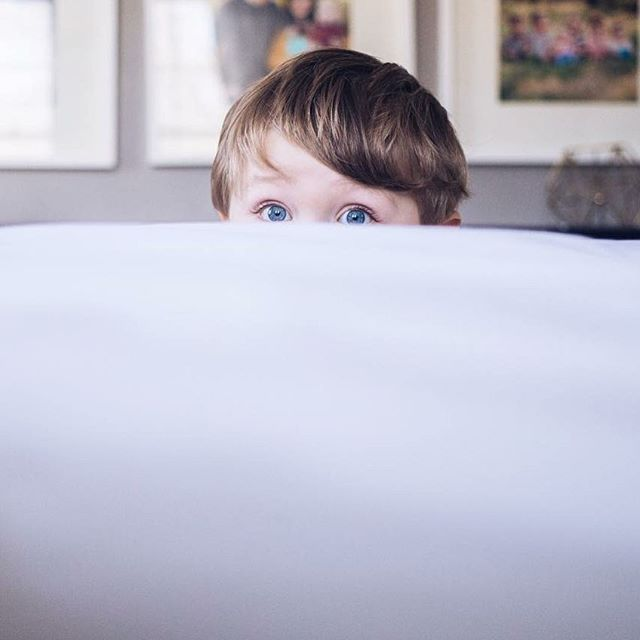 Baby blues. / #vsco #blueeyes #peek