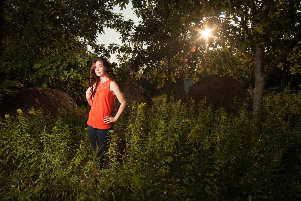 21_charlotte_senior_portraits 2.jpg