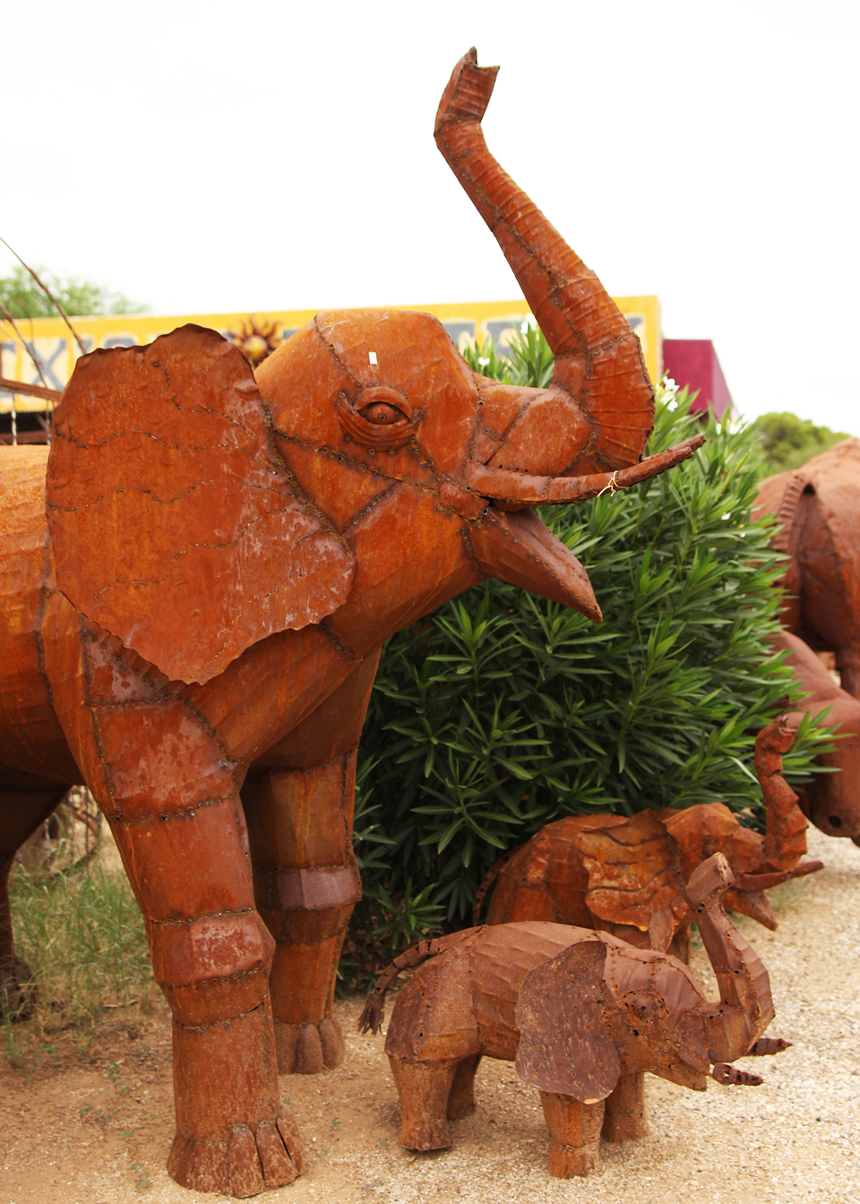 metal-statuary-elephants.jpg