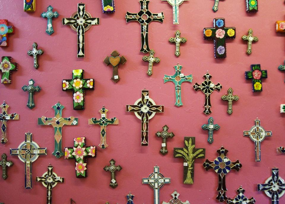 home-decor-metal-ceramic-crosses.jpg