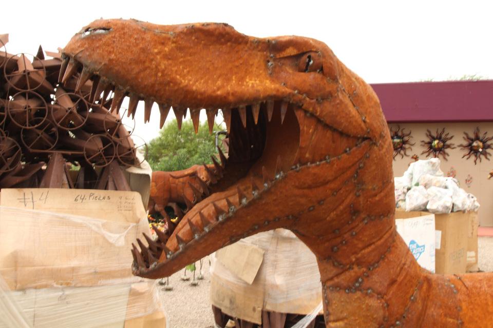 metal-statuary-raptor.jpg