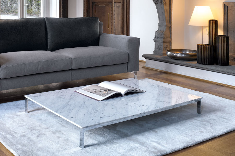 MOLVEDO coffee table    Available in white Carrara marble and white or black glossy lacquer finish