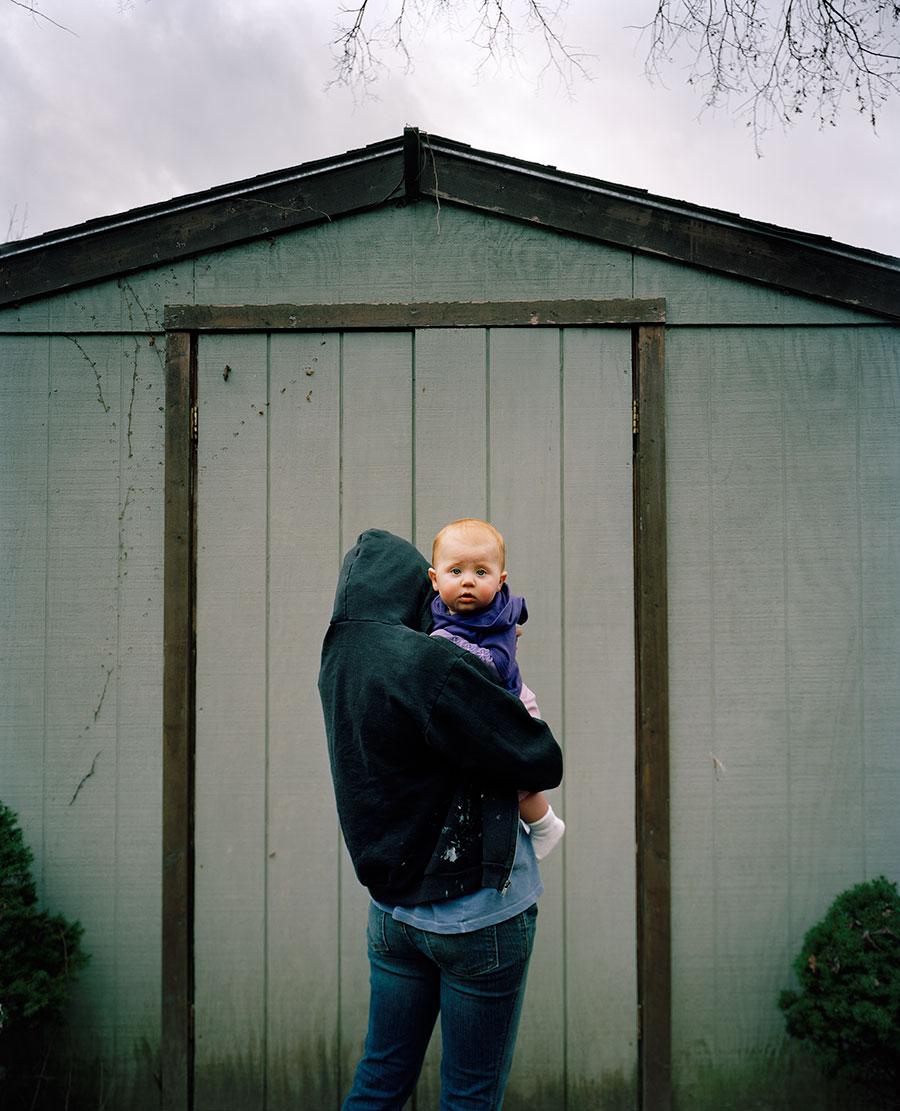 shed-mother-child-1620.jpg