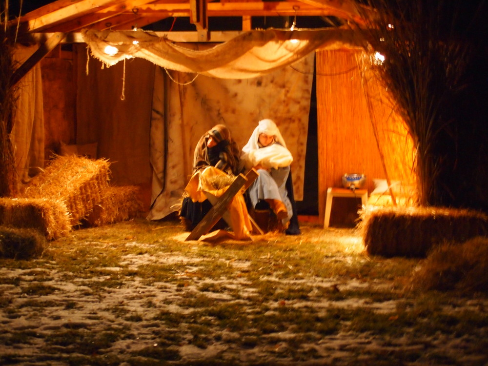 Presbyterian-Church-of-Paltine-Live-Nativity-2013-9.JPG