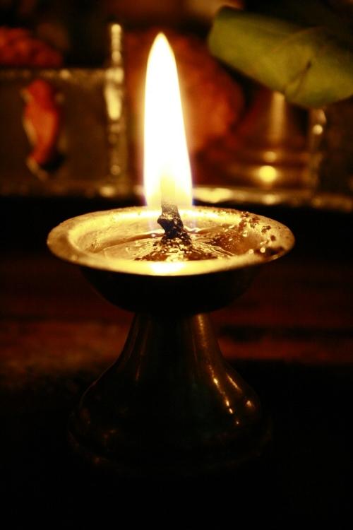 oil-lamp-390588_1280.jpg