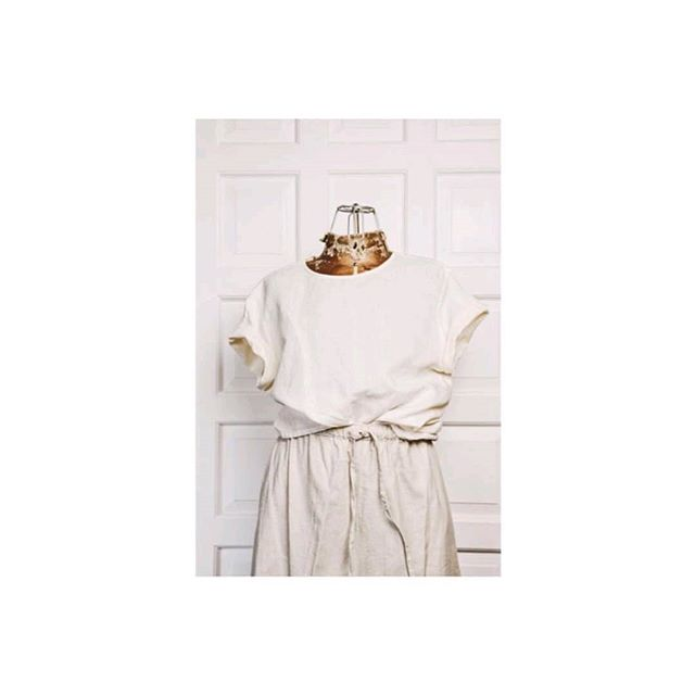 ➕$48➕ Vintage 1980s ramie / cotton blend boxy blouse. Size S / M.