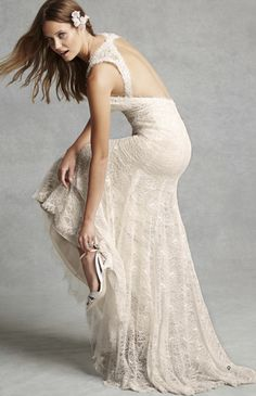 Isabel O'Neil BLISS Monique Lhuillier BL1528 Lace Keyhole Back Sheath Wedding Dress