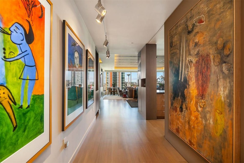 The home provides ample space to display a collection. In the Behar's case, its ancient artistic décor.