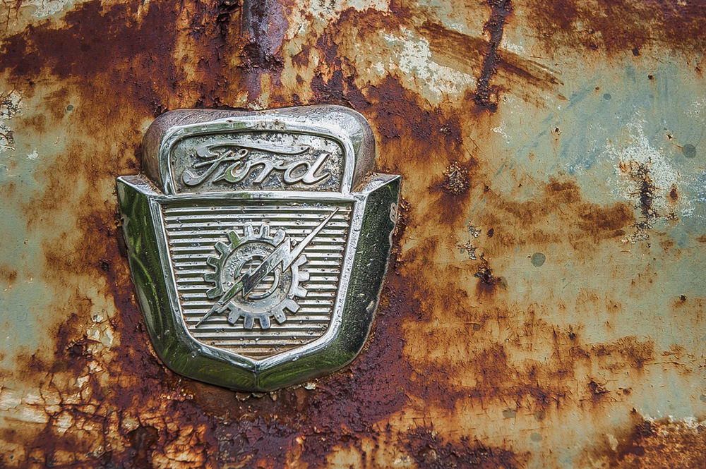 Ford ornament.jpg