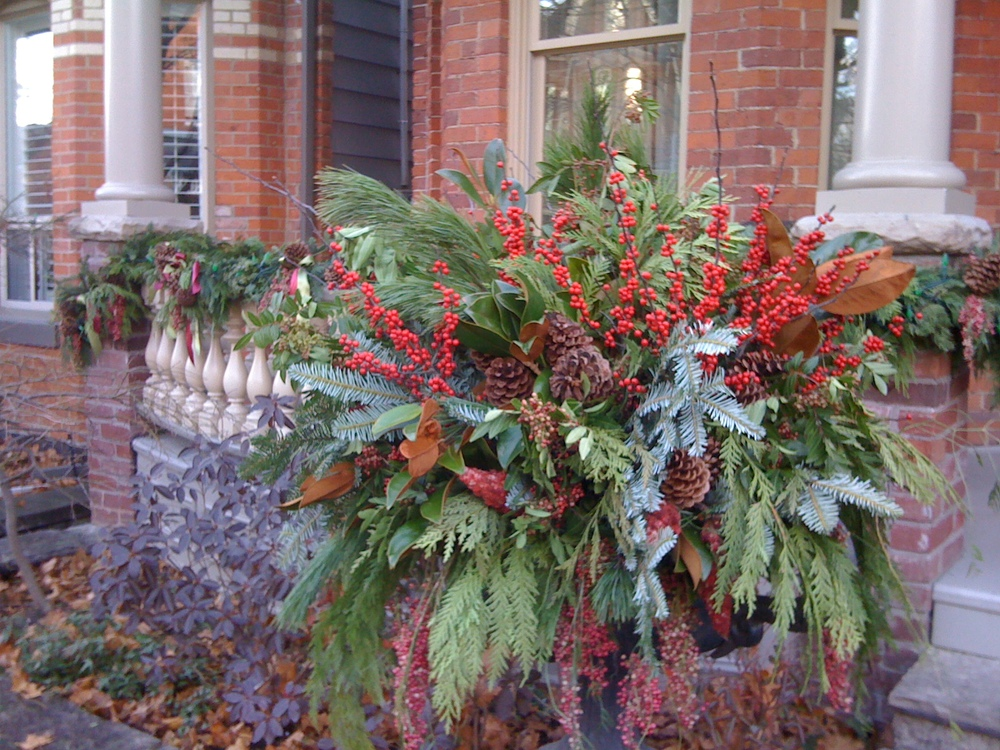 traditional winter planter natural