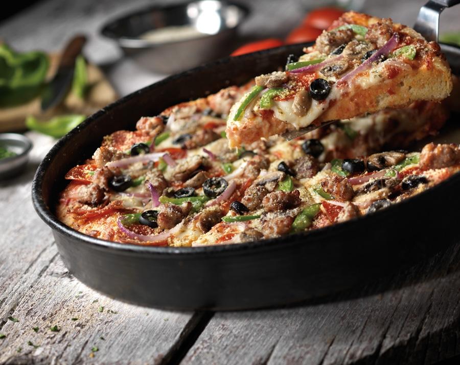 Food Stylist Deep Dish Pizza.jpg