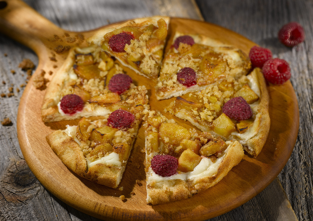 Apple Raspberry Pizza.jpg
