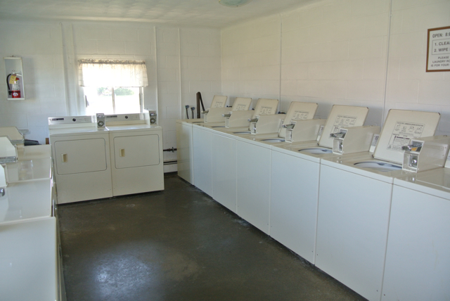 Full Laundromat Facilities