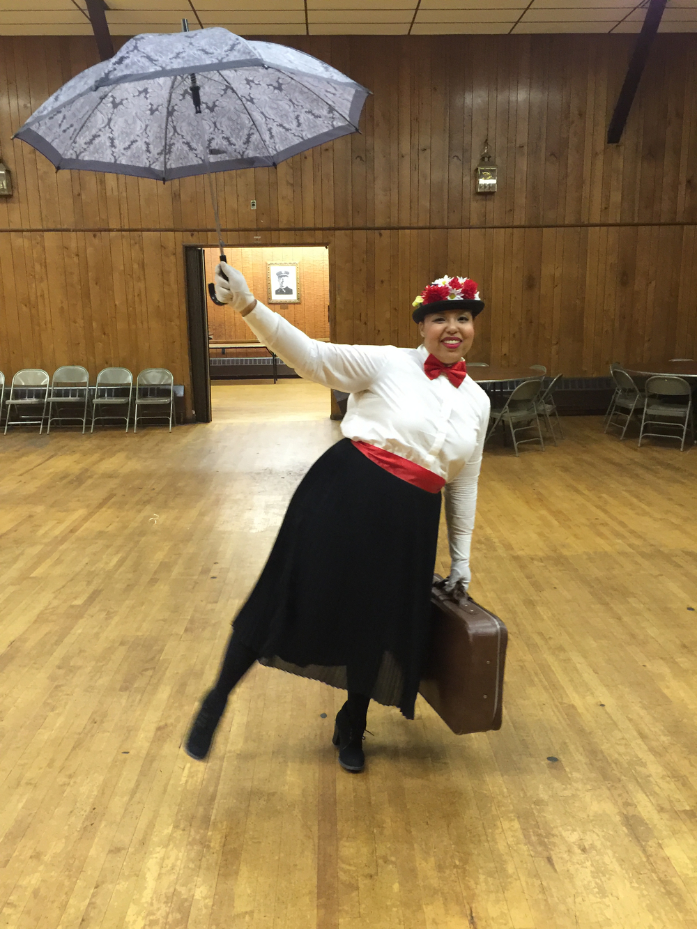 Mary Poppins DIY Costume 2.jpg